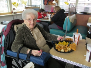 Residents visit Long John Silvers for lunch!